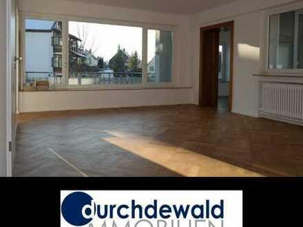 Frisch renovierte, großzügige 4,5-Zi.-Wohnung mit Loggia und 2 Balkonen