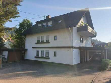 Modernisierte Wohnung mit drei Zimmern sowie Balkon und EBK in Badenweiler