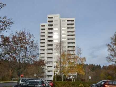 12. Obergeschoss, direkt an der Natur, 4,5-Zimmerwohnung mit tollem Ausblick in S-Botnang