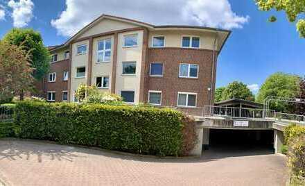 Schöne Vierzimmerwohnung in guter Lage!Parkähnliche Anlage, Blick ins Grüne, Tiefgarage, Balkon uvm.