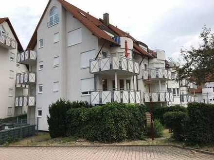 Schöne helle 2- Zimmer OG – Wohnung mit Balkon