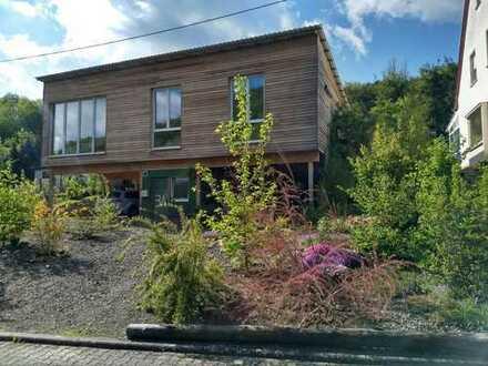 Holzhaus mit viel Platz bei Meisenheim - Sie müssen nur noch einziehen, Haus und Garten sind fertig