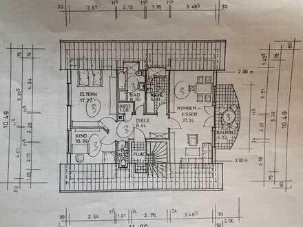 Gut geschnittene Wohnung mit großem Südwestbalkon, 2 Stellplätzen und kleinem Garten