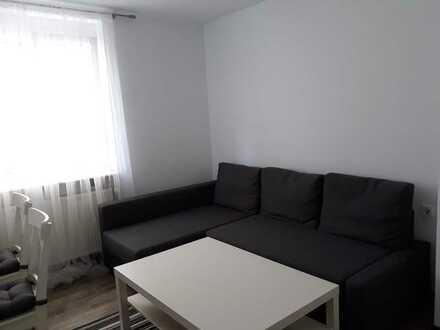 Exklusive, neuwertige 2-Zimmer-Hochparterre-Wohnung, vollmöbliert mit EBK in Stuttgart