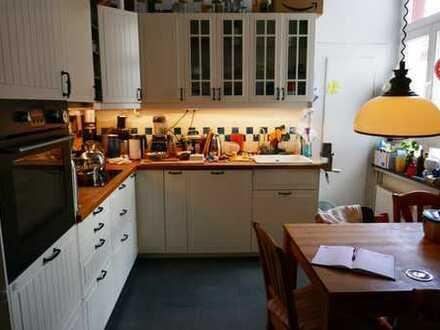 Wunderschöne 4-Zimmer-Wohnung mit Einbauküche und Balkon in K-Lindenthal