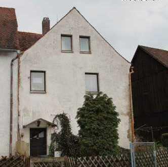Preis auf Anfrage-Angebot des Monats - Wohnhaus in zentraler Lage von Vilseck