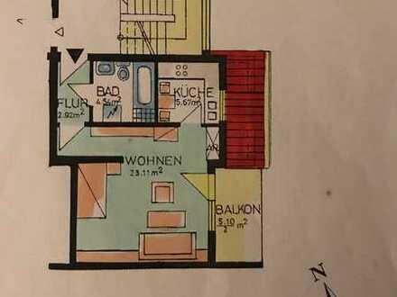 Gepflegte 1-Zimmer-Wohnung mit Balkon und Einbaumöbel in Würzburg / Heidingsfeld