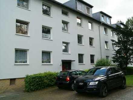 Kernsanierte drei Zimmer Wohnung mit Balkon in Bochum, Langendreer
