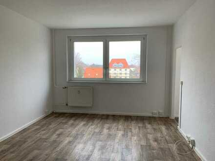 ** Renovierte 1-Raumwohnung mit Fahrstuhl in Lauchhammer **