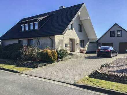 Gepflegtes EFH mit Ausbaupotenzial auf idyllischem Grundstück - inkl. Garage