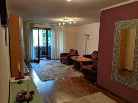 Stilvolle, gepflegte 3-Zimmer-Wohnung mit Balkon und Einbauküche in Rosenheim