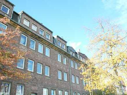 Am Handweiser: Großzügig geschnittene 2,5-Zimmer Dachgeschosswohnung