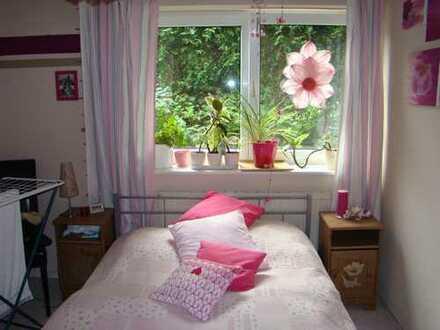 Vollständig renovierte 2-Zimmer-Wohnung mit Einbauküche in Hohen Neuendorf