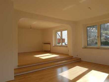 5-Raumwohnung mit Einbauküche, Erstbezug nach Sanierung