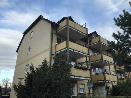 2 Zimmer Dachgeschoss-Wohnung mit Balkon und Garage