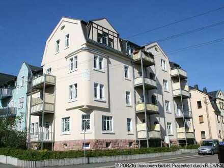 Single-Wohnung mit Einbauküche und Balkon