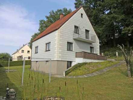 Familien aufgepasst !!!!! Gepflegtes Einfamilienhaus mit Garagen in Obersüßbach