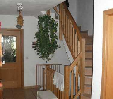 Doppelhaushälfte im Aussenbereich mit Bergblick in Haunshofen
