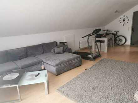 Gepflegte 2-Zimmer-DG-Wohnung mit Balkon und Einbauküche in Tuttlingen