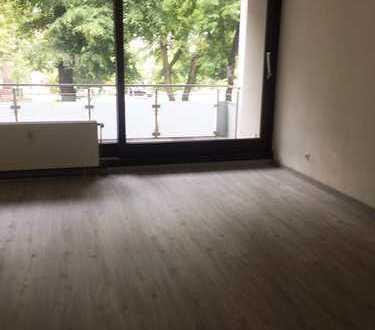 Sonnige, 2 Zimmer-Wohnung mit Balkon in Karlsruhe-Mühlburg