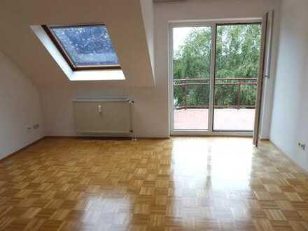 Helle 3-Zimmer-Dachgeschoss-Wohnung Geeignet für 1 oder 2 Personen Kronberg - Oberhöchstadt