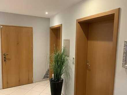 Schöne vier Zimmer Wohnung in Ludwigshafen am Rhein, Mundenheim