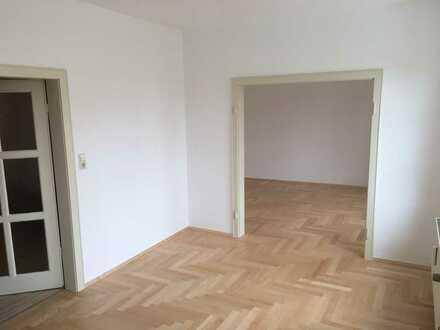 Vollständig renovierte 4-Raum-Wohnung mit Balkon und Einbauküche in Neustadt in Sachsen