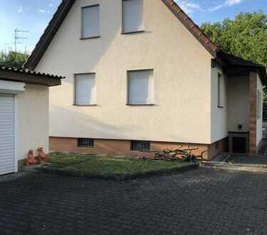Kleines Einfamilienhaus mit vier Zimmern und großem Garten in Göppingen