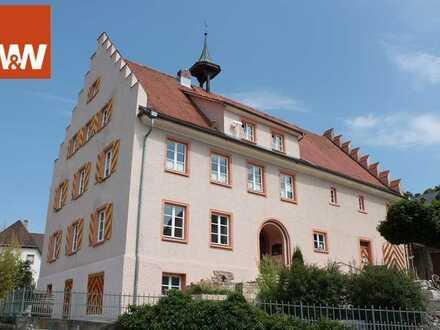 Herrschaftliches Anwesen im Ortskern von Bettmaringen-Stühlingen in der Nähe der Golfplatzes