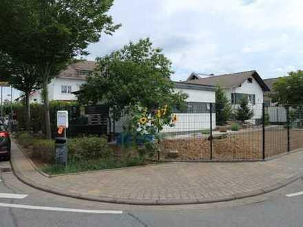 1-Fam.-Haus mit Garage, 2 Einliegerwohnungen und einer Gewerbeeinheit (Gastronomie) in Griesheim