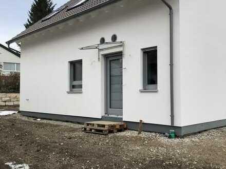 Schöne Doppelhaushälfte mit 3,5 Zimmern in Kirchheim/ Teck Stadtrand