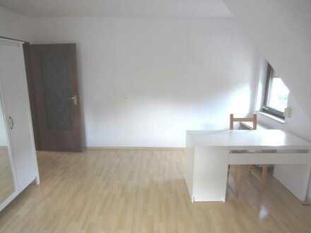 Quartal 4/2021 und Quartal 2/2022: Zimmer in 3er WG in Ravensburg 390.- warm möbliert DGR2