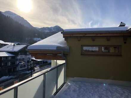 Exclusive, geräumige 2-Zimmer-DG-Neubau-Wohnung mit Balkon, Terrasse, EBK in Berchtesgaden i