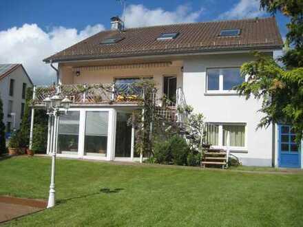 Modernisierte 6,5-Zimmer-Wohnung mit Balkon und EBK in Ettlingen - Schluttenbach