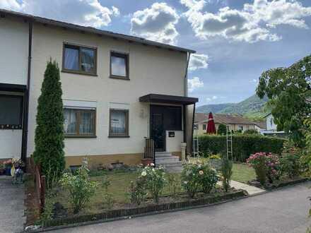 Schönes und gepflegtes 5-Zimmer-Reiheneckhaus zum Kauf in Bad Urach nahe Thermalbad