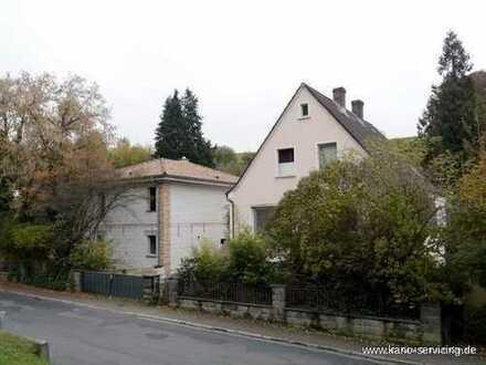 *Provisionsfrei* - Neu und alt: Zwei Einfamilienhäuser in Roßbach