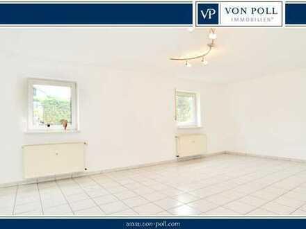 3- Zimmerwohnung mit Balkon und wunderschönen weiteren 3 Souterrainräumen mit Bad, Küche und WC