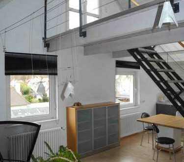 Gepflegte 4-Zimmer-DG-Wohnung mit Balkon und EBK in Tübingen