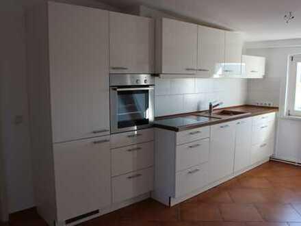 Preiswerte, sanierte 2-Zimmer-Dachgeschosswohnung mit Einbauküche in Bad Freienwalde