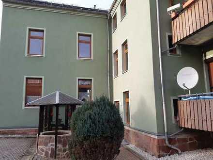 Schöne Single Wohnung mit Balkon und Einbauküche