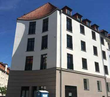 Südstadt,Top-Altbau, hohe Decken, EBK, Designbad
