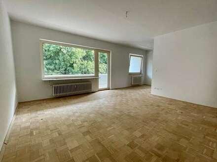 Renovierte und WG-geeignete Wohnung mit Parkettboden und Balkon in Bielefeld - Großdornberg
