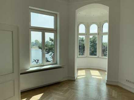 Altbauwohnung mit direktem Rheinblick (150 m²)