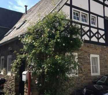 Landhauswohnung in altem Gutshof zu vermieten!