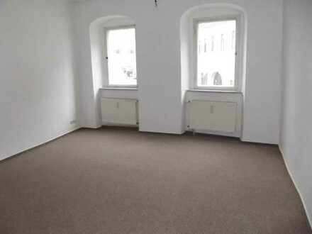 Preisgünstige 2 Raum-Wohnung in Lommatzsch zu vermieten