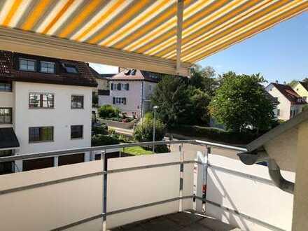 Stilvolle, neuwertige 3,5-Zimmer-Maisonette-Wohnung mit Balkon und EBK in Korntal-Münchingen
