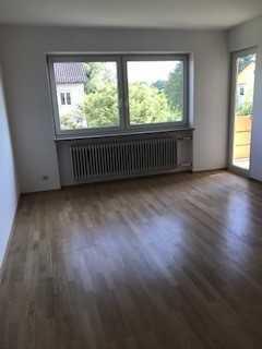 Schöne Wohnung mit Süd-Balkon in Schlossberg