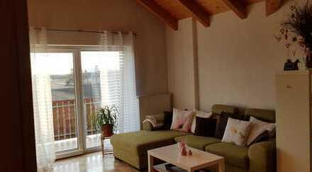 Gepflegte 2-Zimmer-DG-Wohnung mit EBK in Eichstätt (Kreis)