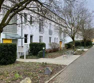 Großzügige Zweizimmerwohnung mit Terrasse und Gartenmitbenutzung