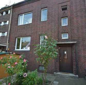 Traumhaftes 3 Parteienhaus mit Balkonen in begehrter Lage von Düsseldorf-Niederkassel!